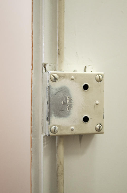 magnet anwendungen schrankt r mit magneten schlie en supermagnete. Black Bedroom Furniture Sets. Home Design Ideas